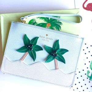 🌷LONG WEEKEND🌷Kate Spade palm tree wristlet